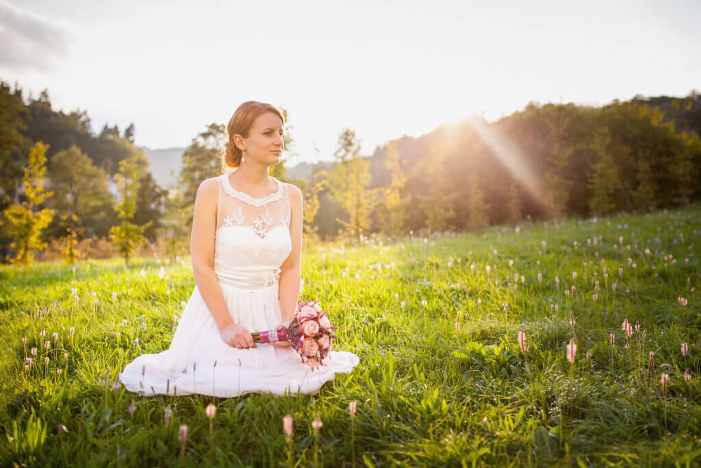 Svatebni Saty A Doplnky Pro Nevesty Kouzelna Svatba